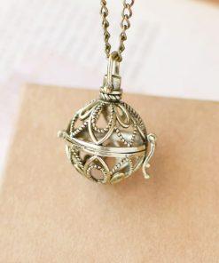 Collar colgante de aromaterapia con diseño de medallón de esfera
