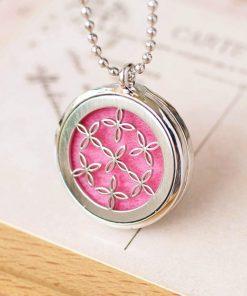 Collar de aromaterapia con cadena de bolitas y diseño de flores huecas