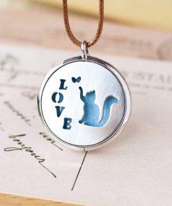 """Collar de aromaterapia con diseño de gatito y letras  """"LOVE"""""""