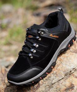 Sneakers antiderrapantes con agujetas y suela gruesa