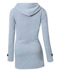 Abrigo con diseño de capucha y botones con forma de cuerno