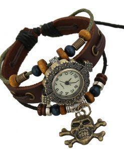 Reloj de pulsera de cuero con cuentas de madera con colgante de calavera retro