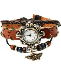Reloj de pulsera de cuero multicapa de cuentas de madera con colgante de mariposa vintage