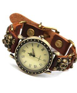 Reloj de pulsera de hombre de calavera de aleación retro simple