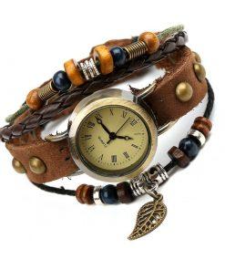 Reloj de pulsera multicapa de cuero con cuentas de madera de hoja vintage