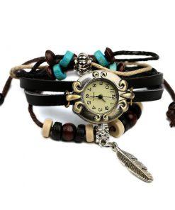 Reloj de pulsera multicapa de cuero con cuentas de madera de plumas retro